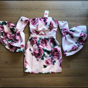 NWT-L'ATISTE 3D Rose and Ruffle Bell Sleeve Dress